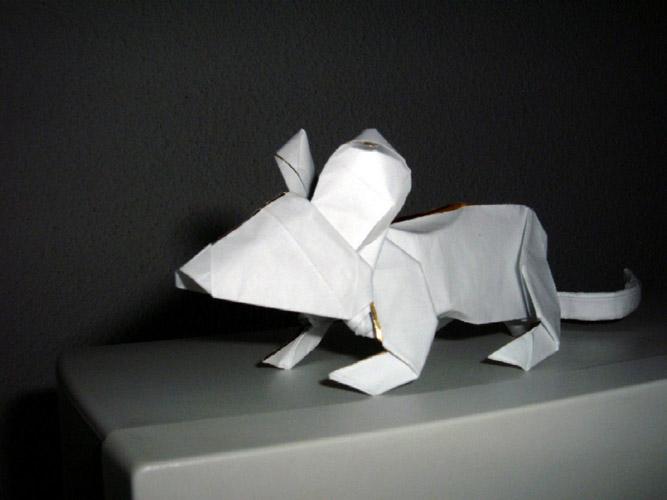 Оригами схема чудесного мышонка от José Angel Iranzo.  Пополняем коллекцию своих бумажных питомцев!